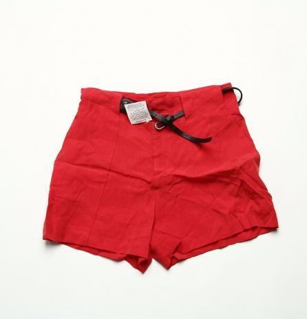 Pantaloni scurti dama de la Zara rosii Marime: L Pret: 40 Lei