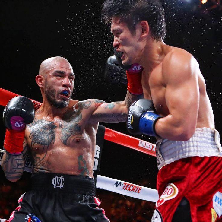 PHOTOS Miguel Cotto wins sixth world title 👉🏻LINK IN BIO🔝 http://www.boxingnewsonline.net/photos-miguel-cotto-wins-sixth-world-title/ #boxing #BoxingNews #CottoKamegai #WARCotto 📸: @hoganphotos
