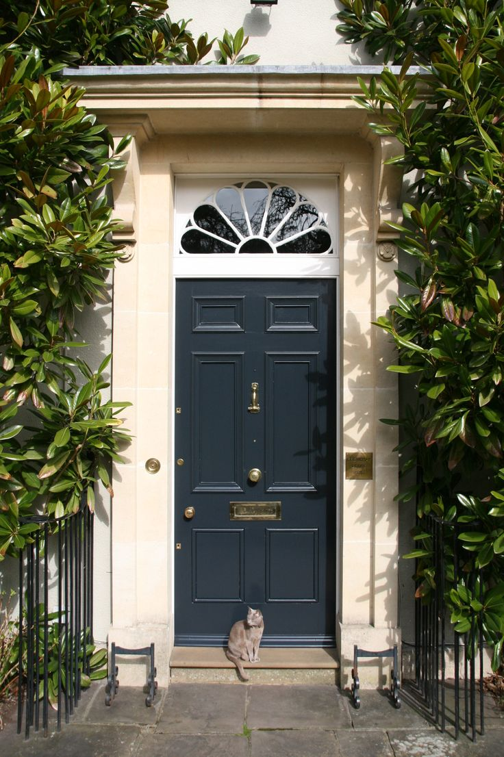 Farrow & Ball best exterior door colour gallery: winning entry! Clare Winsor - UK   Railings No 31  Exterior Eggshell