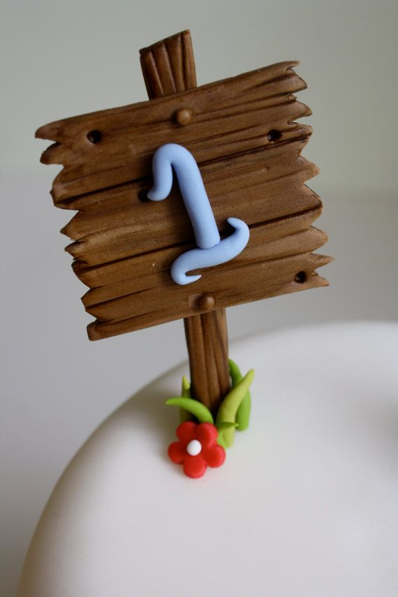 Fondant Wood Post Sign. This is adorable but I could so make this myself!  Pinning for the idea.