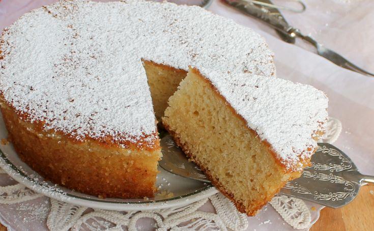 TORTA ALLO YOGURT SOFFICISSIMA alla vaniglia