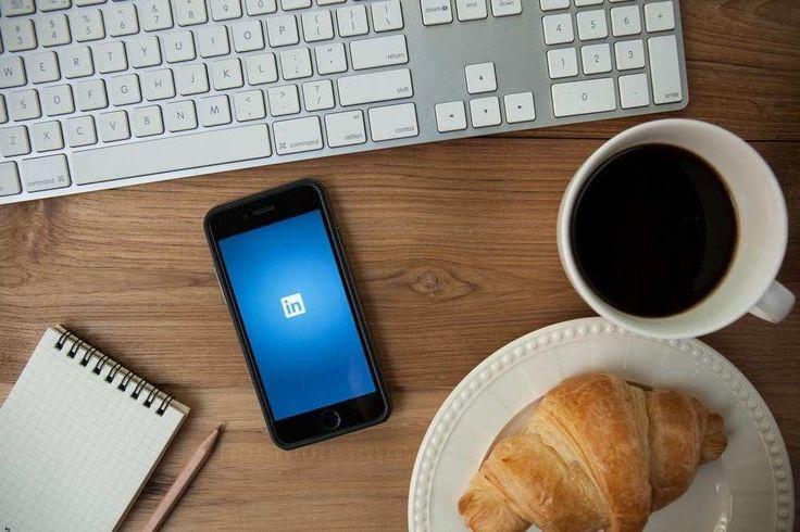 Depuis cet été,   LinkedIn  n'en finit plus d'innover. Fin août, le réseau social professionnel a d'abord lancé   LinkedIn Lookup  , une...