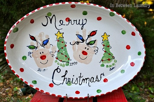 christmas plate with feet and hands