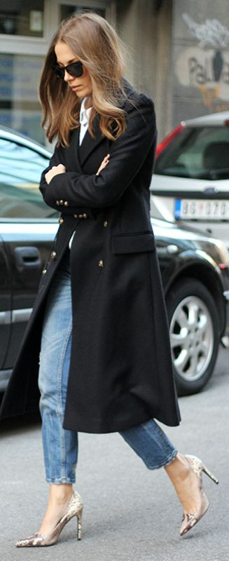 An army style maxi coat will look great worn with a classic white shirt and denim jeans. Via Vanja Milicevic.  Jeans/Shoes/Coat: Zara, Shirt: Mango, Bag: Gucci.