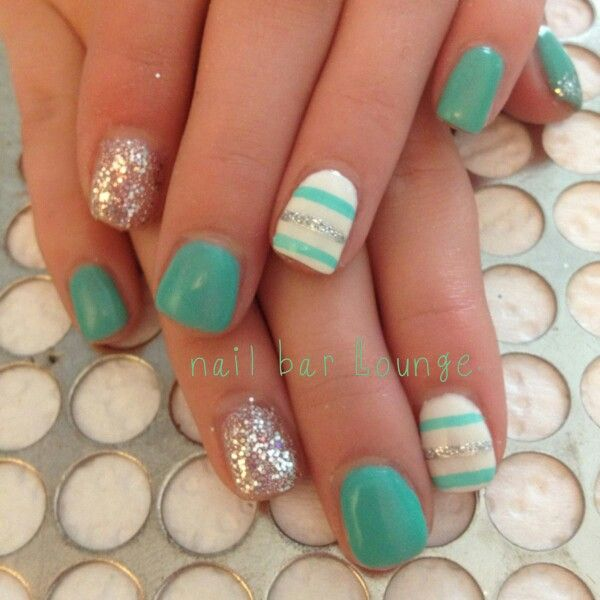 Short nails blue turquoise sparkles stripes white