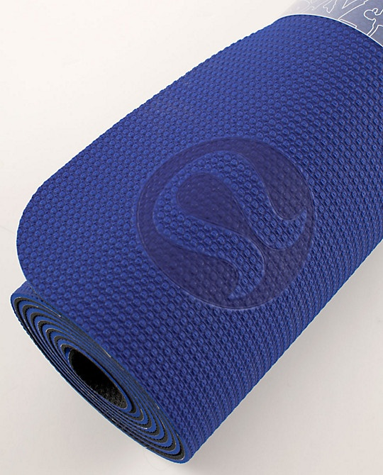 Lululemon yoga mat | Things I Love, Like or Want | Pinterest