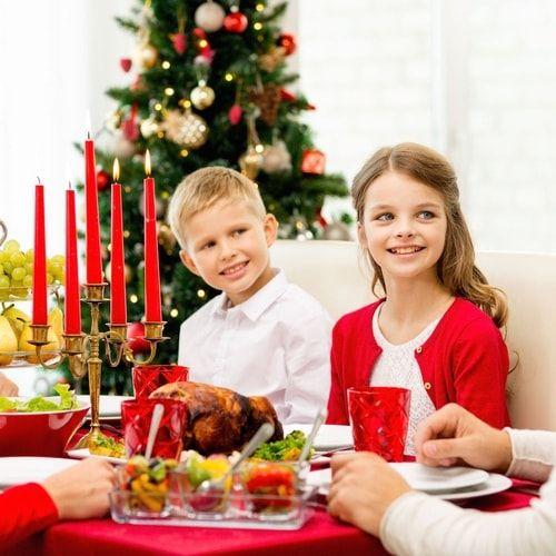 Bambini schizzinosi in visita a Natale? Tutte le ricette per prenderli per la gola, anche sotto l'albero.