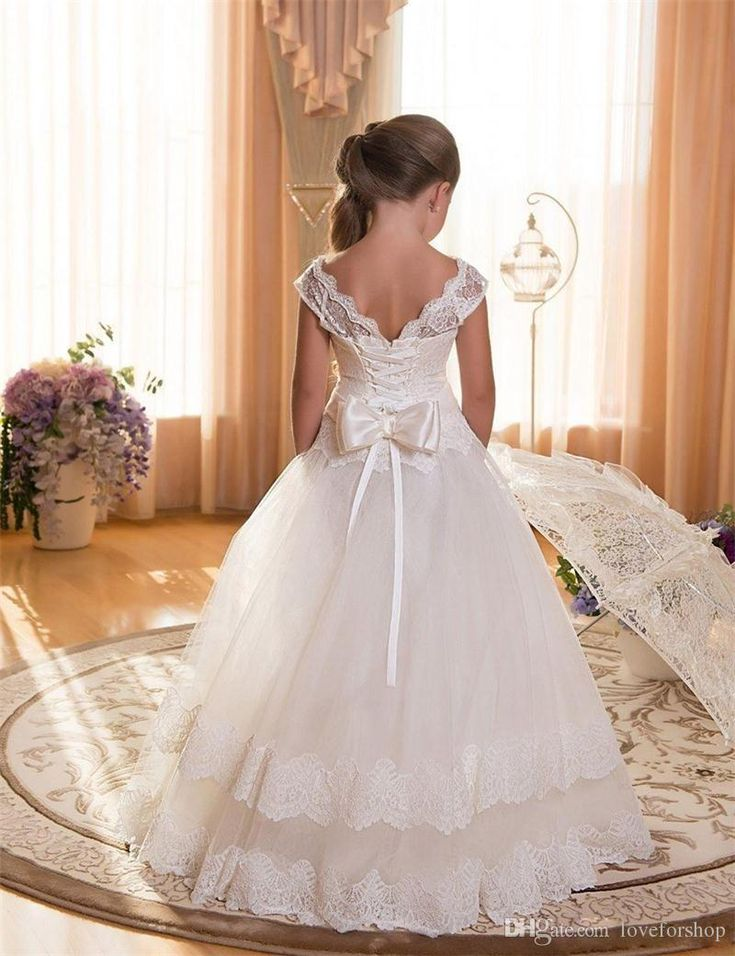 First Communion Dresses For Girls Scoop Backless With Appliques and Bow Tulle Ball Gown Pageant Dresses