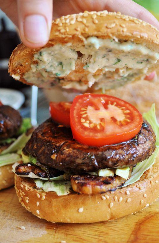 Portobello Bagel with Tempeh Bacon and Garlic Cream Sauce Recipe #vegan #burger #recipe