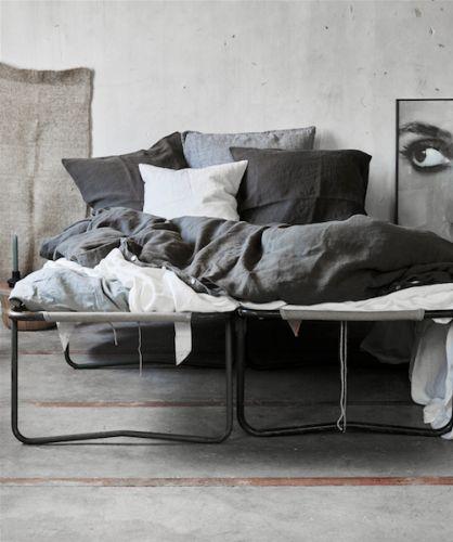 1000 id es sur le th me linge de lit blanc sur pinterest draps de luxe lit fran ais et draps. Black Bedroom Furniture Sets. Home Design Ideas