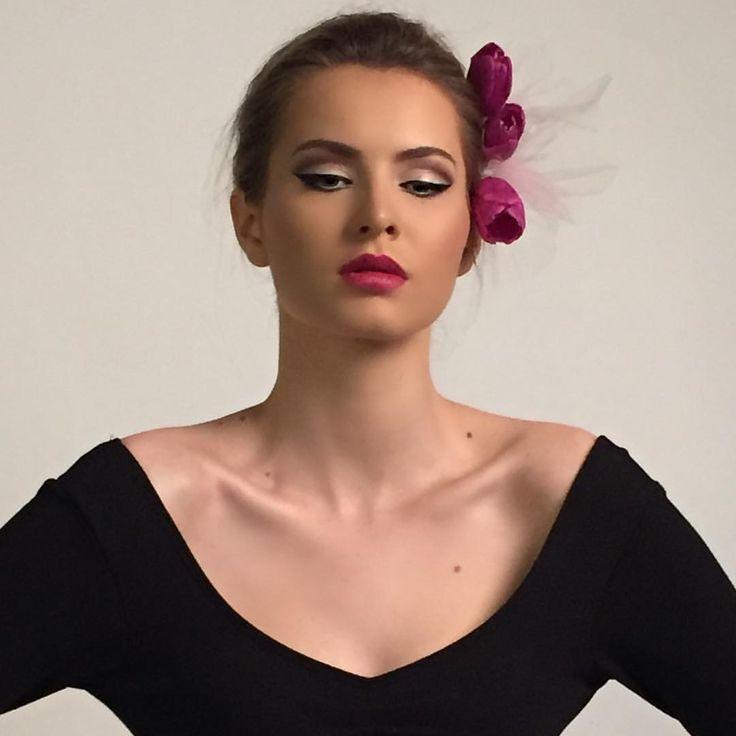 "A L I N A on Instagram: ""#shooting #modeltest #model #look #ruedesmodels #makeupbyme #makeupartist #makeupaddict #maccosmetics #anastasiabeverlyhills"""