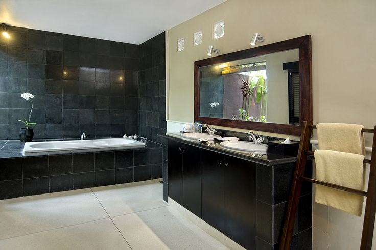3 bedroom villa bathroom #dusunvillas #bali
