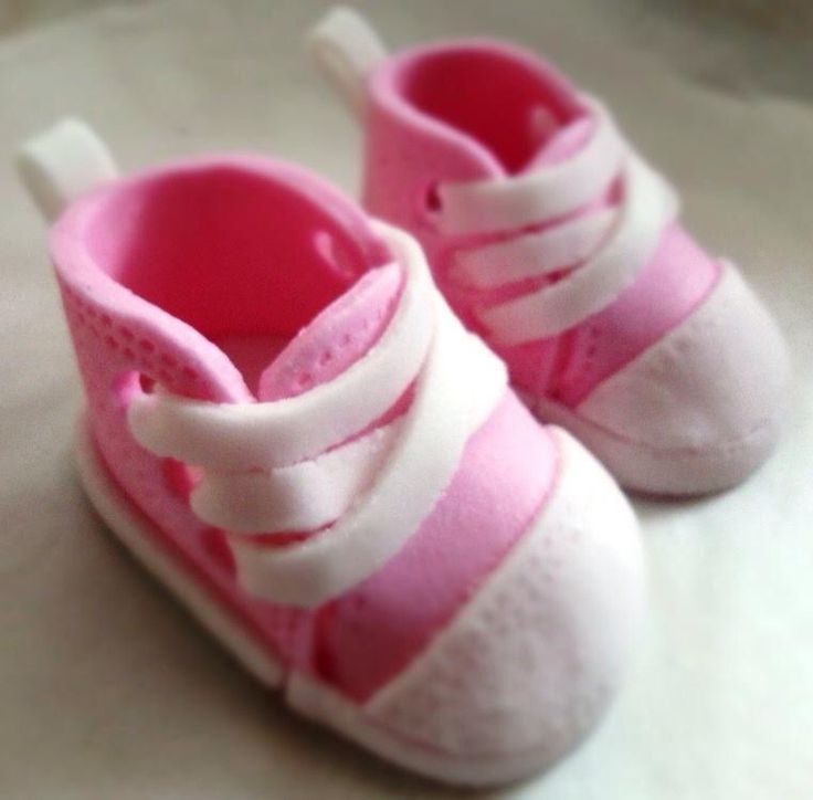 Baby girl shoes fondant
