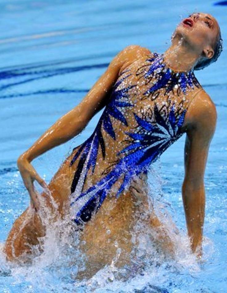 photos of synchronized swimming