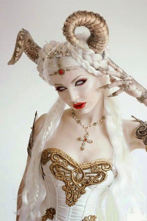 qisslove blog: Gadis Cosplay Yang Cantik Dan Hot (15 Gambar)