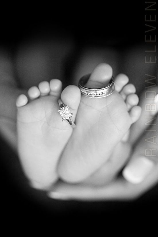 Celebrate your marriage - Inspiration for Precious Newborn Photos - Photos