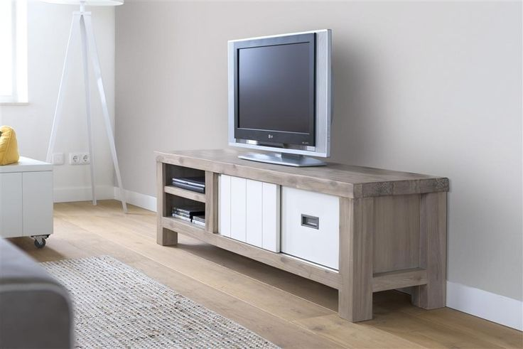 This Istrana tv-sideboard is available in width 130cm, 160cm or 190cm (as shown)