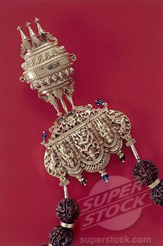 Close-up of a gold pendant, Chettiar Jewelry, Chettinad, Tamil Nadu, India