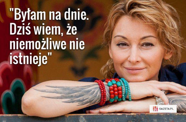 Sporo przeszła. Choroba, chemioterapia, złamany kręgosłup, śmierć przyjaciela. - Te trudne doświadczenia ukształtowały mnie i wzmocniły. Nauczyłam się oddzielać rzeczy ważne od ważniejszych. I pomijać te nieistotne - mówi Martyna Wojciechowska.