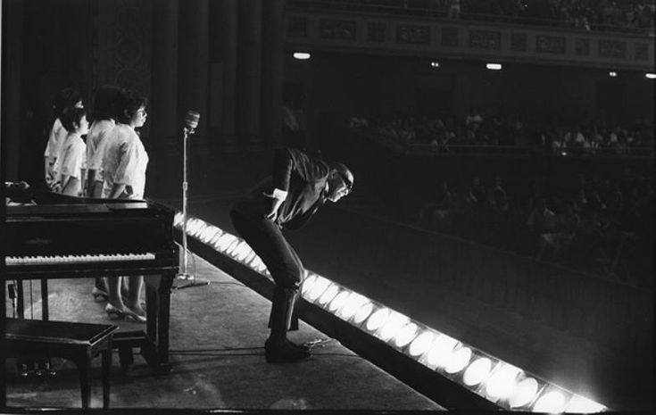 Ray Charles and The Raelettes at Carnegie Hall, New York City, on May 7, 1966. Photo by Bill Ray.