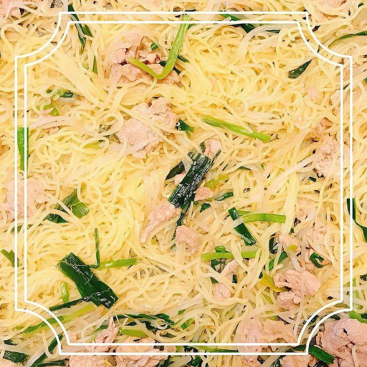 リクエストにお応えしてのホットプレート塩焼きそばでございます  レシピはこちらを参考に http://ift.tt/2tqE6sm  #焼きそば #塩焼きそば #ホットプレート #週末ごはん #cooking #kitchen #cuisine #요리 #kochen #cookingram #クッキングラム #cucina #inmykitchen #foodie #foodpic #instafood #homemade #healthyfood #デリスタグラマー #おうちごはん