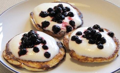 Lívance s ostružinami a medem / Pancakes with blackberries and honey