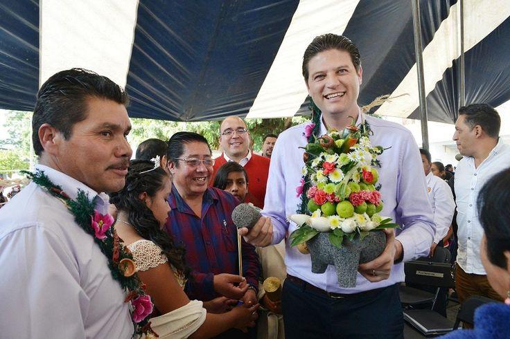Gracias al esfuerzo que el Ayuntamiento de Morelia llevó a cabo para realizar la primera Feria del Molcajete, la respuesta de ésta ha sido favorable para los más de 3 ...