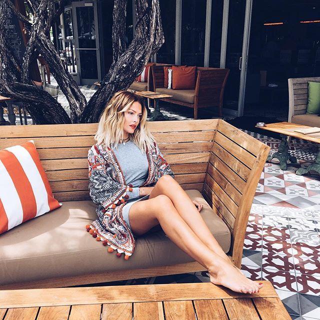 Instagram media by carolinereceveurlucas - Time to relax and chill ! ✌️ || Petit souvenir de Miami qui me réchauffe le coeur en cette journée bien pluvieuse à Londres || Have a good weekend guys