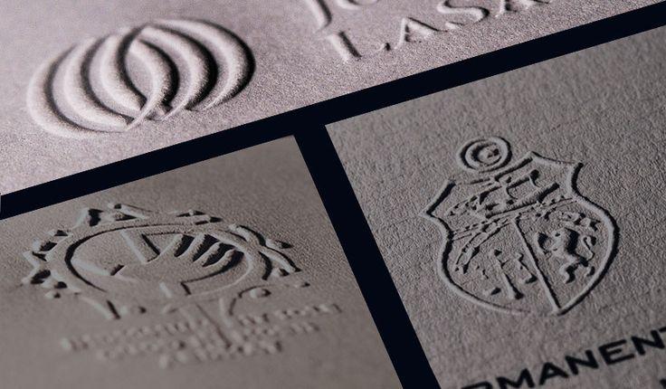 Gaufrage sur têtes de #lettres - Imprimerie TYPOdeon