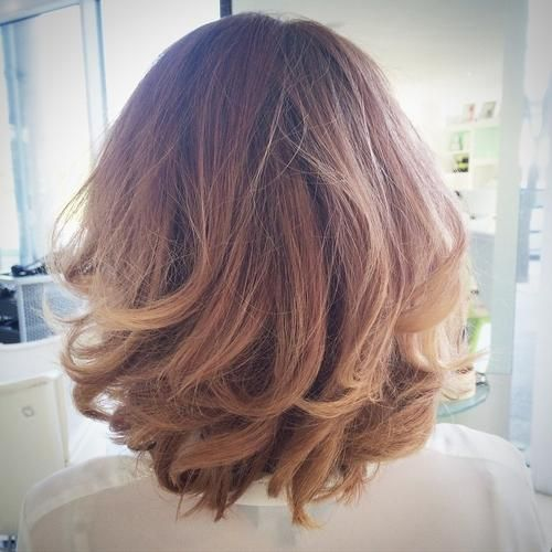 Remarkable 1000 Ideas About Layered Wavy Bob On Pinterest Round Face Bob Hairstyle Inspiration Daily Dogsangcom