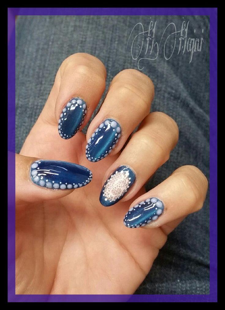 Blue tiger eyes nails