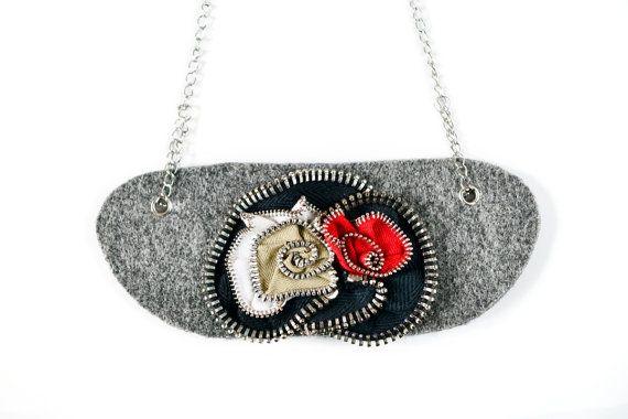 Valentines discount Zipper necklace Beige Red White por MiyyoART
