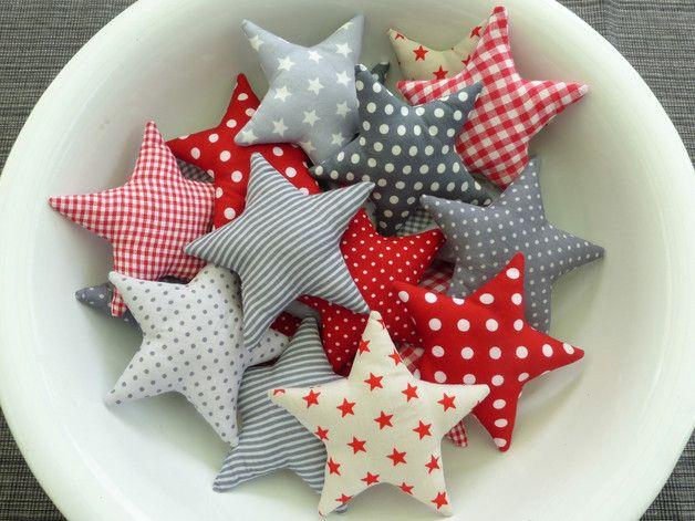 Deko-Objekte - Ein Stern aus Stoff ★ Stoffwahl - ein Designerstück von susannes-kreative-seite bei DaWanda