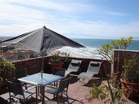 Muizenberg False Bay Cape Town Self Catering Apartment http://capeletting.com/false-bay/st-james-and-muizenberg/sea-view-2-876/