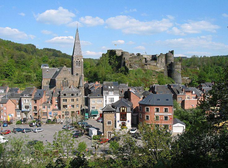 La Roche: the town centre below its medieval castle