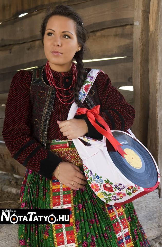 "Handmade vinyl bag - with hungarian ""matyó pattern"" #vynil #bag #design #recycled"