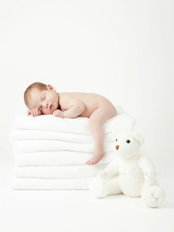 Você sabe o que é um ensaio newborn? Mesmo que não saiba eu tenho certeza que já ouviu falar a respeito e conhece pelo menos 1 pessoa que fez do filho.