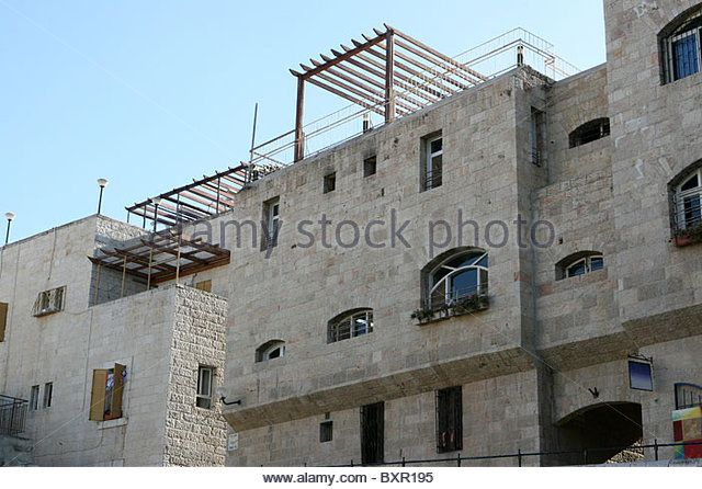 l7.alamy.com zooms e662a15ae5c743d6a68bfbdc76bce2a3 multi-story-block-buildings-are-the-typical-mode-of-living-for-modern-bxr195.jpg