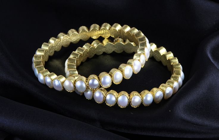 Bangles in .925 Sterling Silver with 18kt Gold Micron Plating with Pearls
