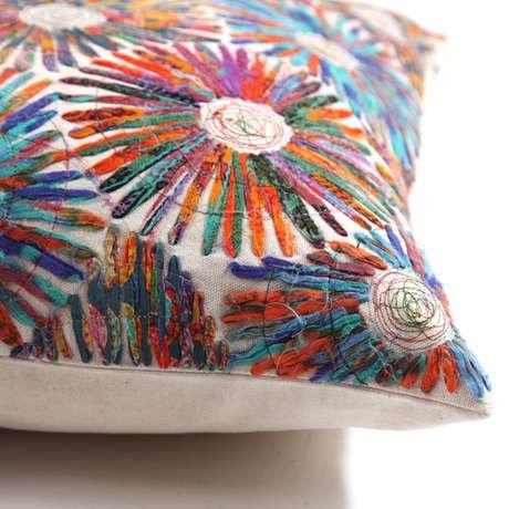 rengarenk işlemelerini çok sevdimm bu yastıkların.daha fazlası için buraya