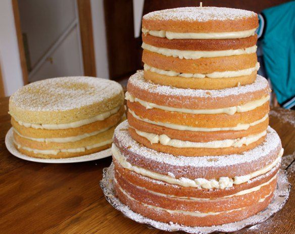Naked Cake for 200: a DIY tutorial... Well, if all else fails we can make a wedding cake on the fly