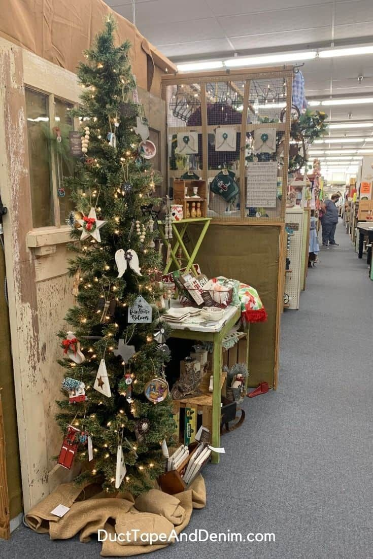 How To Shop The Best Waco Christmas Store In 2020 Christmas Store Christmas Booth Craft Booth