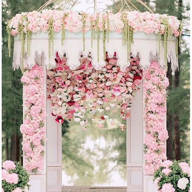 Wedding Altar Columns: Wedding Ceremony And Aisle