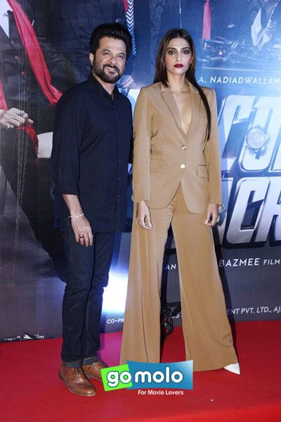 Anil Kapoor & Sonam Kapoor at the Premiere of Hindi movie 'Welcome Back' in Mumbai