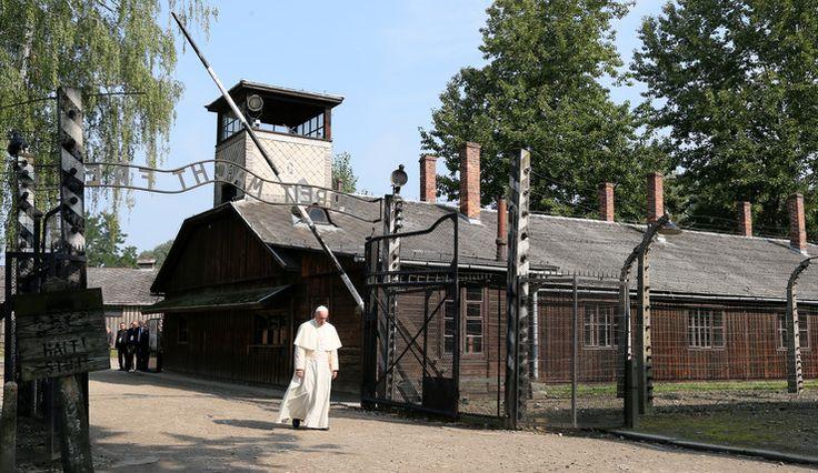ŚDM 2016: Auschwitz-Birkenau - papież Franciszek w obozie zagłady - Wiadomości