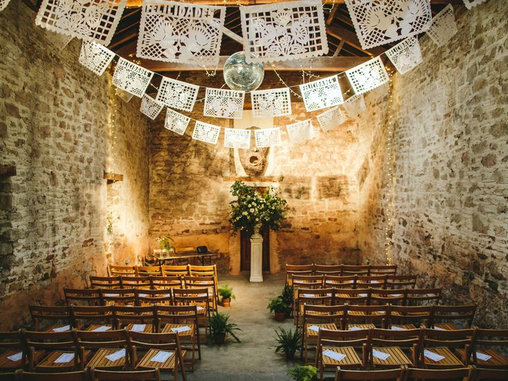 40 Creative Paper Garland Ideas for Weddings