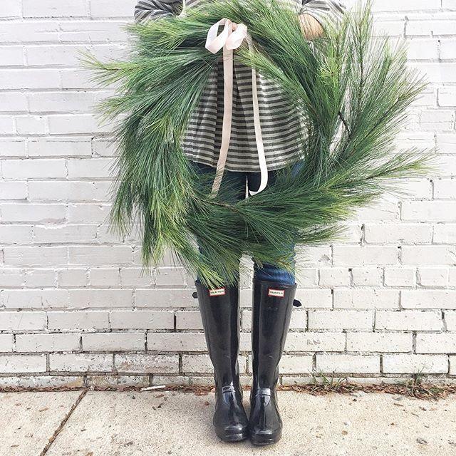 Simple Christmas wreath | @Blythe_and_Barnett
