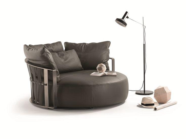 Divano rotondo SCARLETT by Poltrona Frau | design Jean-Marie Massaud