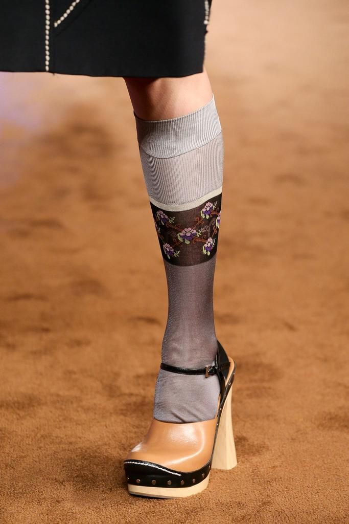 Prada Spring 2015 Ready-to-Wear - Details - Gallery - Look 2 - Style.com