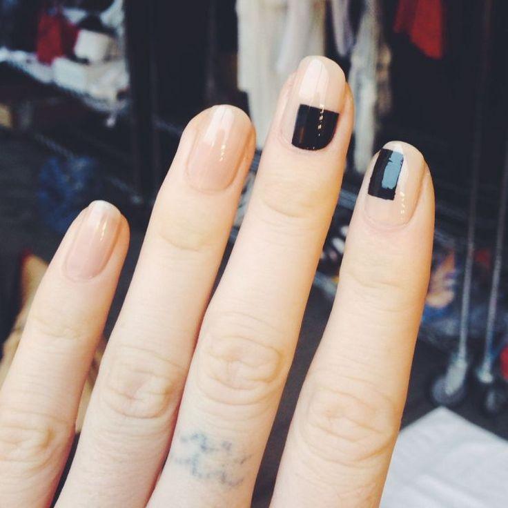Minimalist Nail Art Ideas 71